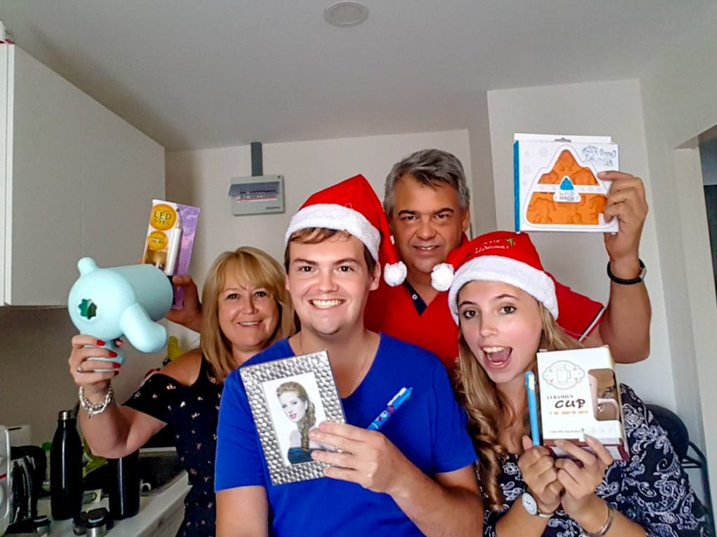 Konig family enjoying Christmas in Thailand in 2019