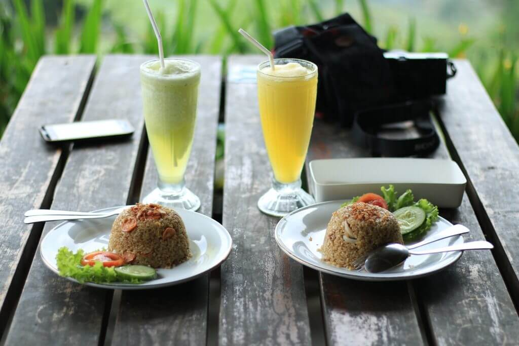 Fried rices lunch with delicious smoothies